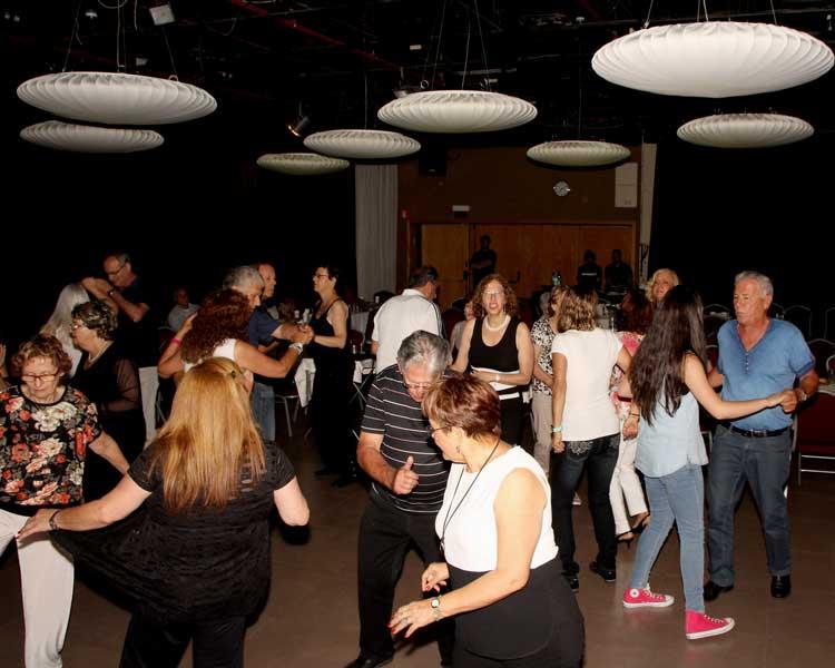 מסיבת ריקודים בבית ציוני אמריקה 3